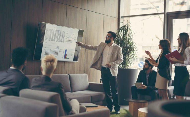 Sales-management-strategy-lead-team-success-768x475